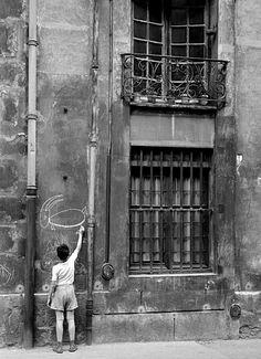 Goat, Paris, France, 1960, photograph by Nico Jesse.
