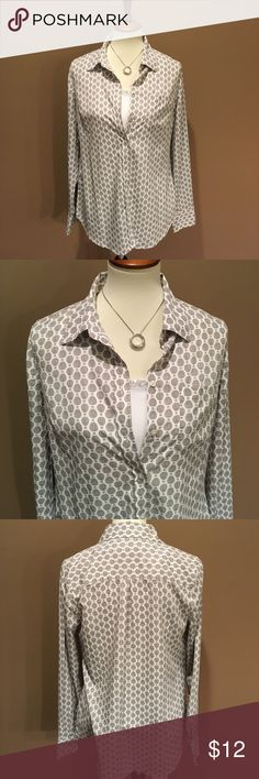 Gray & White Merona Blouse Gray and white button down Merona Blouse. Fun hot air balloon pattern. Excellent condition. Smoke/pet free home.   (Undershirt not included) Merona Tops Blouses