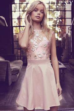 Kúpiť - Slávnostné šaty Lipsy zdobené 3D kvetmi na Next Slovensko