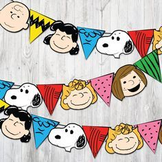 Happy Birthday Charlie Brown, Charlie Brown Halloween, Charlie Brown Christmas, Charlie Brown And Snoopy, Peanuts Gang Birthday Party, Snoopy Party, Bolo Snoopy, Snoopy Cake, Happy Birthday Chicken