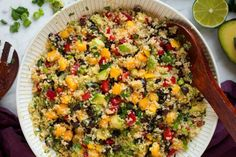 BEST Ever Quinoa Black Bean Salad! It's a hearty quinoa salad that's brimming with so much fresh goodness. A healthy satisfying lunch or dinner side dish! Mango Quinoa Salad, Greek Quinoa Salad, Avocado Quinoa, Quinoa Bowl, Quinoa Rice, Avocado Salad, Quinoa Salad Recipes, Salad Dressing Recipes, Avocado Recipes