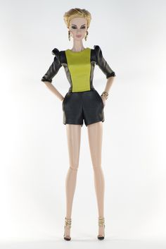 40. set (FR2 body size) inc.: Lime and black leather jumpsuit,  jewelry, shoes.
