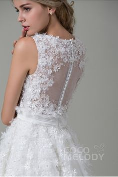 Pretty A-Line Illusion Natural Knee Length Tulle Ivory Sleeveless Zipper With Button Wedding Dress with Appliques Luxury Wedding Dress, Dream Wedding Dresses, Wedding Dress Buttons, Big Dresses, Open Back Wedding Dress, Wedding Wishes, On Your Wedding Day, Bridal Gowns, Photos