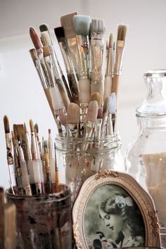 I love the beauty of paint brushes, just waiting for me to use them... I wonder if the universe sees me this way too?