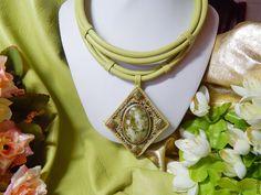 Купить Колье из кожи с циннвальдитом Мозаичная весна - колье из кожи, Кожаное колье, салатовое колье