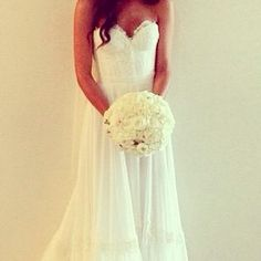 so simple and very elegant.  i love that there's not a lot of poof!