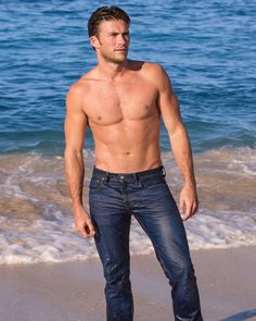 Not a bad view @scotteastwood for @davidoffparfums 2015 #ScottEastwood #SexiestManAlive