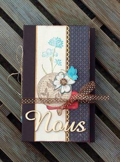 Un beau mini de Scrapucine avec de belles cachettes pour inspiration: http://scrapucine.over-blog.fr/article-album-nous-83011575.html