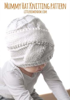 This cute Halloween Mummy Hat knitting pattern is the perfect start to an easy Halloween costume. Just add some white pajamas and you're all set for trick-or-treating! This cute Halloween Halloween Knitting Patterns, Baby Hat Knitting Pattern, Easy Knitting Patterns, Free Knitting, Baby Knitting, Sweater Patterns, Stitch Patterns, Crochet Patterns, Diy Mummy Costume