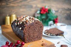 Piernik to obowiązkowy świąteczny wypiek, bez którego nie wyobrażam sobie świąt Bożego Narodzenia. Piernik świąteczny wychodzi mięciutki, rozpływający... Muffin, Baking, Breakfast, Christmas, Food, Cakes, Morning Coffee, Xmas, Cake Makers
