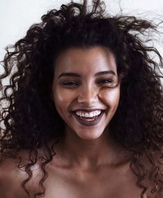 Dark lipstick for winter and natural curly hair