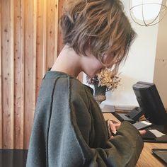 いいね!778件、コメント4件 ― 守屋恵理さん(@moriyaeri)のInstagramアカウント: 「お疲れ様でした(^ω^) #moriya_hair」 Short Brown Hair, Short Hair Cuts, Shot Hair Styles, Curly Hair Styles, Hair Inspo, Hair Inspiration, Estilo Cool, Kpop Hair, Hair Arrange