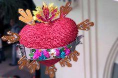 Mexican piñata. Muestra de Piñatas en el Museo de Arte Popular