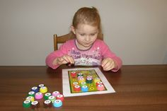 Hľadáme písmenká - hra pre malé deti, v ktorej hľadajú rovnaké písmenká.