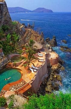 Most Exotic Pools Zihuatanejo   Mexico