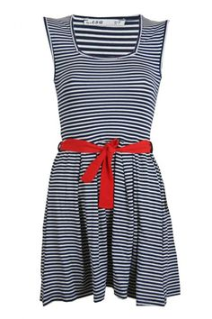 The french look never goes out of style! Combine the cute blue and white striped look with beautiful red details for the complete french look. This dress has that combination! The dress has a short model with a loose fit playful skirt. The top has a body con fit and has a high collar. The red bow on the waist will create a beautiful figure.  www.2dayslook.com