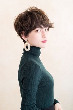 Pixie Hairstyles, Pixie Haircut, Short Hairstyles For Women, Medium Hair Styles, Curly Hair Styles, Short Hair Tomboy, New Hair Do, Shot Hair Styles, Hair Arrange