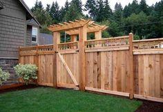 Cedar Wood Fence, Wood Fence Gates, Wood Fence Design, Pallet Fence, Diy Fence, Fence Landscaping, Backyard Fences, Gate Design, Fence Ideas