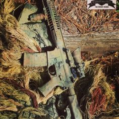 CamoConcepts just painted this LWRC SPR for a USMC Gunnery Sergeant. Thank you for your service Gunny, and your business. Semper Fi! #camo #camopaint #camoconcepts #rifle #gunny #USMC #LWRC #SPR #gunnerysergeant