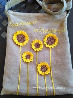 sunflowers and happiness - - sunflowers and happiness filovagando creations – Crochet Sonnenblumen und Glück Crochet Cushion Cover, Crochet Cushions, Crochet Pillow, Crochet Hooks, Knit Crochet, Scrap Quilt, Sewing Crafts, Sewing Projects, Embroidery Bags