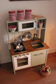 Pimp My Duktig on www.mooddot.nl #duktig #ikeaduktig #kidskitchen #playkitchen