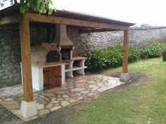 Nuestro cliente y amigo Fidel ya ha completado su rincon del asador con la incorporacion de una pergola de madera para protegerse de las inclemencias meteorologicas y seguir disfrutando con su familia y amigos de sus asados en renuniones familiares.