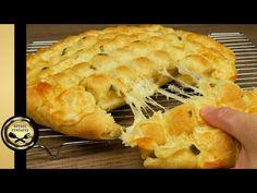 Λατρεύω αυτή την συνταγή! Εύκολο Σκορδοψωμο με τυρί και απίθανη ζύμη! - ΧΡΥΣΕΣ ΣΥΝΤΑΓΕΣ - YouTube Spanakopita, Greek Recipes, Apple Pie, Sweet Home, Cooking Recipes, Baking, Ethnic Recipes, Desserts, Youtube