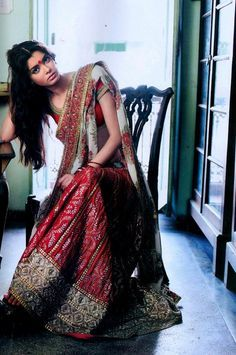 Lehenga choli by Sabyasachi. I admire the amount of detailing on these outfits. It's an admirable work by these popular Indian fashion designers.