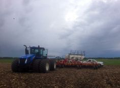 Lana Sagert ‏@lanasagert  Here's hoping those clouds give us a few hours. #plant14 #fromthefield @The Western Producer