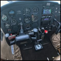 Fully refurbish cockpit panel of a 1973 Cessna 172M Skyhawk II