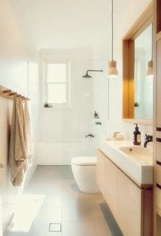 This modern bathroom design has remained classical by choosing to texturise with wood. Has it inspired you to choose a wood bathroom? Diy Bathroom Decor, Bathroom Renos, Simple Bathroom, Modern Bathroom Design, Bathroom Interior Design, Bathroom Ideas, Bathroom Designs, Neutral Bathroom, Wood Bathroom