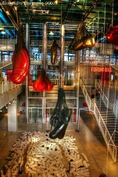 France - Paris - Centre national d'art et de culture Georges-Pompidou - Beaubourg Georges Pompidou, Moment, Museums, Centre, Houses, France, Paris, Architecture, Arquitetura
