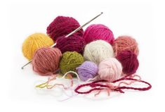 Rather than crocheting an entire afghan or other item as one piece, the Mile-a-Minute method creates strips that are later stitched together with yarn, making it a good project for beginners. Beginner Crochet Tutorial, Crochet Stitches For Beginners, Beginner Crochet Projects, Crochet Instructions, Easy Crochet Patterns, Crochet Mile A Minute, Square Patterns, Yarn Projects, As You Like