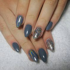 Wow love these winter acrylic nails Nails Only, Get Nails, Fancy Nails, Manicure Colors, Nail Colors, Gel Manicure, Xmas Nails, Christmas Nails, Almond Acrylic Nails
