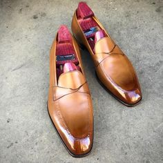 """A stock model you could get a patina on. The """"Antibes"""" in vintage pine. Order yours via sales@gazianogirling.com #gazianogirling #gazianoandgirling #shoeporn #patina #GGAntibes"""
