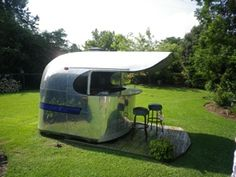 EUROSTREAM. VINTAGE AMERICAN AIRSTREAM CARAVANS FROM U.S. TO ENGLAND AND ALL EU!