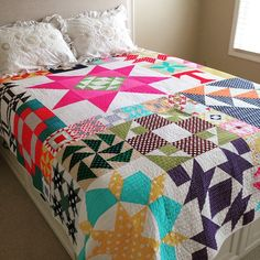 My Moda Modern Building Blocks is also quilted. It went from the box to my guest bed. I saw this quilt at Spring Market last year, finished it last fall, and am so happy to have it home. I fell in love with it all over again. Abby went with straight lines for the quilting. Great job!! @alatimer Details on blog, link in profile, LQ144. #modamodernbuildingblocks #modabuildingblocks #showmethemoda