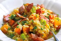Another yum! This brightly colored dish of butternut squash, bacon, and rice makes a substantial supper for four or a classic Italian appetizer for six - but more than that. Slimming World Salads, Easy Slimming World Recipes, Healthy Eating Recipes, Healthy Cooking, Healthy Snacks, Cooking Recipes, Risotto Recipes, Savoury Recipes