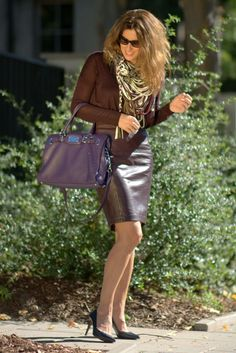 Pinot noir fashion: Total look in burgundy Cozy Fashion, Leather Fashion, Skirt Fashion, Fashion Looks, Pantyhose Outfits, Black Leather Skirts, Leather Dresses, Sexy Outfits, Pencil Skirt Outfits