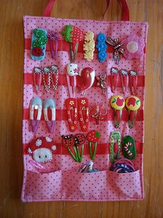 Organizador pinzas de pelo - DIY hair clip organizer. Great way to display and keep all the girls hair clips together.