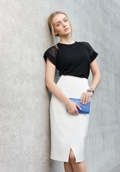 Black & White meets Flash Colours: #Look von #TaraJarmon und #Coccinelle. #Frühjahrsommer2015 #Fashion #Reischmann #design