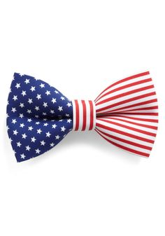 I'm lovin' this patriotic hair bow.