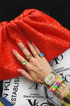 The Major Jewellery Trends of 2019, According to Our Editors | Who What Wear UK Big Jewelry, Jewellery Uk, Jewellery Boxes, Emerald Jewelry, Simple Jewelry, Beaded Jewelry, Fashion Jewelry, Jewelry Accessories, Jewellery Workshop