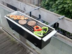 With this compact balcony grill you can now grill on a small balcony! - Karen Svava Guðlaugsdóttir - Diy With this compact balcony grill you can now grill on a small balcony! Small Balcony Design, Small Balcony Decor, Balcony Ideas, Apartment Balcony Decorating, Apartment Balconies, Bbq Grill, Grilling, Bbq Uk, Small Grill