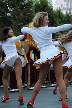 d725fa7d878 HOT & SEXY USC Trojans Song Girls Cheerleaders 4x6 Glossy Photo NCAA  #085 in