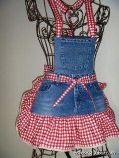 Interesting ideas for decor: We sew an apron from old jeans. We sew an apron of old jeans. Sewing Aprons, Sewing Clothes, Diy Clothes, Denim Aprons, Jean Crafts, Denim Crafts, Jean Apron, Cute Aprons, Denim Ideas