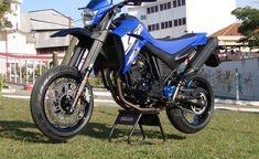 Yamaha Xt 660, Street Fighter, Honda, Motorcycle, Bike, Dream Garage, Sportbikes, Male Hair, Weather