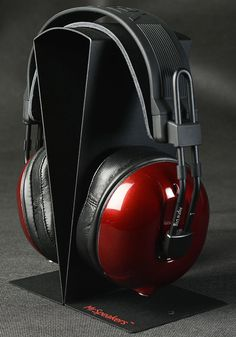REVIEW: MrSpeakers Alpha Dog Headphones... By building such an excellent all round headphones and pricing it so modestly, Dan Clark has knocked one out of the park. See review at http://www.EnjoyTheMusic.com/magazine/equipment/1014/MrSpeakers_Alpha_Dog_Headphones.htm