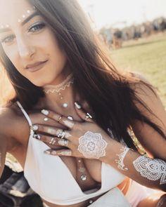 Outfit details #Coachella #festivaloutfit #festivalchic #allwhite #allwhiteoutfit #coachellavibes #metalictattoos #coachellaoutfit Coachella, Diamond Earrings, Outfits, Jewelry, Instagram, Fashion, Moda, Suits, Jewlery