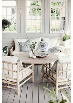 nautical summer cottage porch pictures | porch - nautical neutrals ?